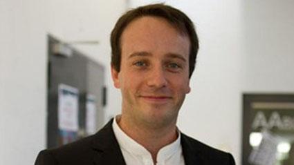 Stéphane Baudouin receives the 2013 Life Sciences Award